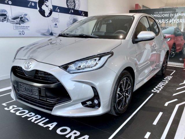 Auto Nuove Toyota Yaris 1348041